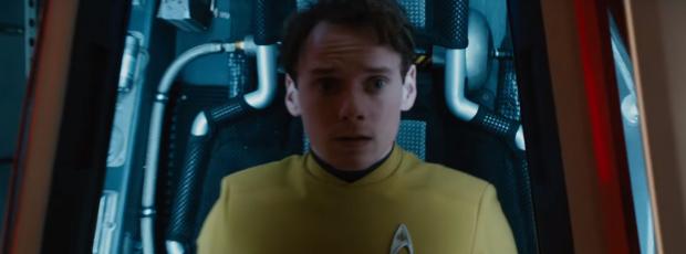 star-trek-beyond-trailer-2-chekov-anton-yelchin-in-escape-pod
