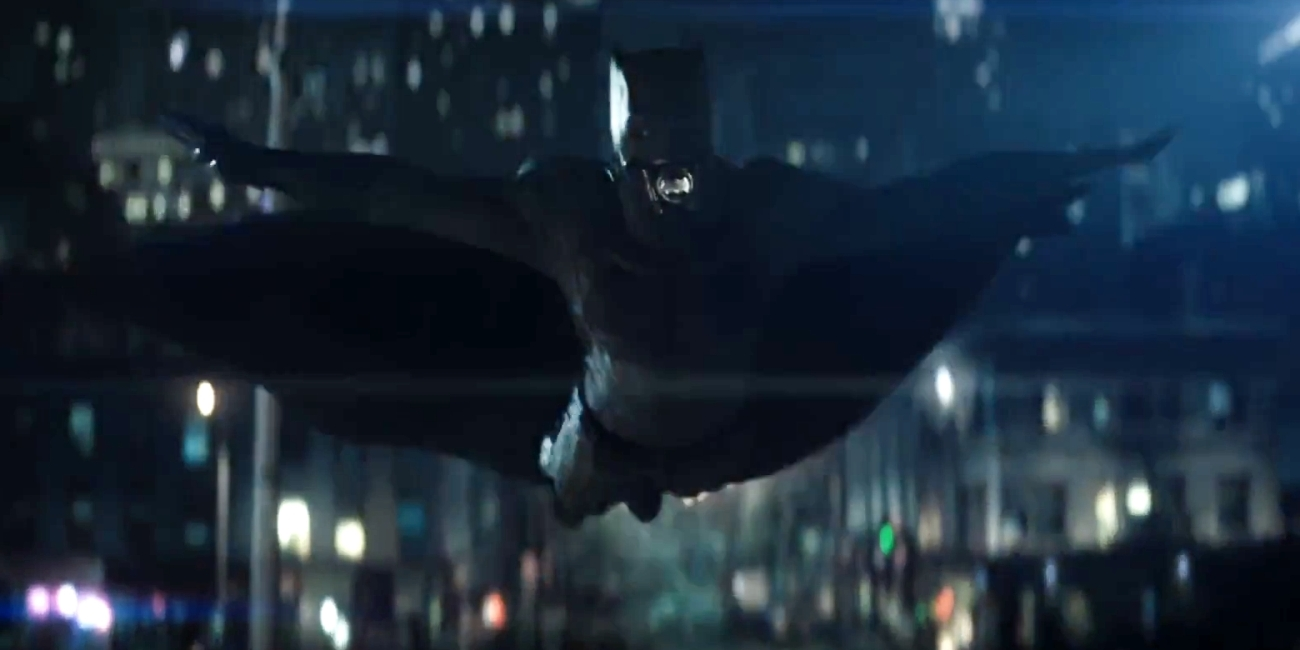 Suicide-Squad-Batman-Trailer-Swimming
