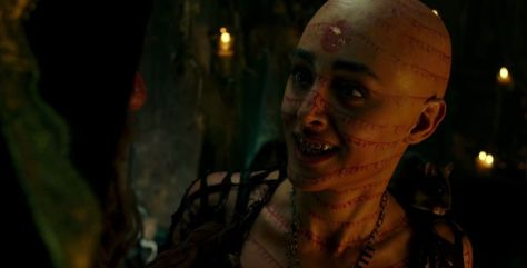 Pirates-of-The-Caribbean-Dead-Men-Tell-No-Tales-Official-Trailer-2-4