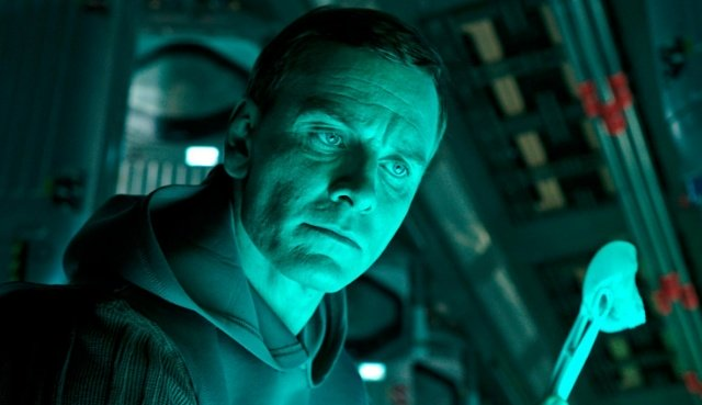 what-walter-doing-new-alien-covenant-movie-stills-released-31