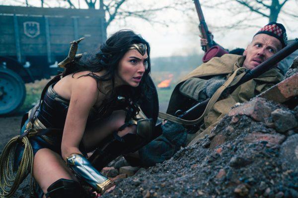 Wonder-Woman-Gal-Gadot-Ewen-Bremner-600x400