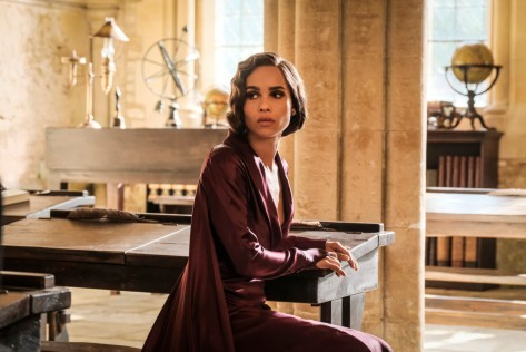 fantastic-beasts-crimes-of-grindelwald-leta-lestrange-zoe-kravitz-purple-dress